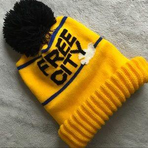 Freecity Knit Pom Logo Beanie Ski Hat Yellow Dove